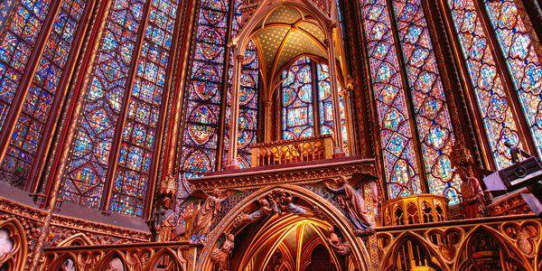 1280px-Paris-SainteChapelle-Interieur.jpg