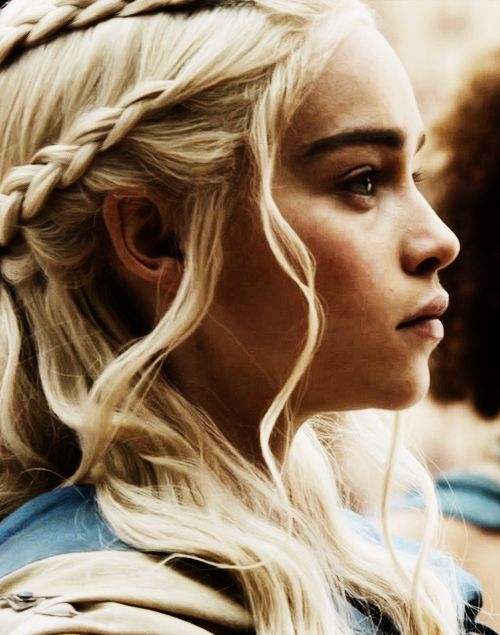 Daenerys Targaryen // Emilia Clarke                                                                                                                                                                                 Plus