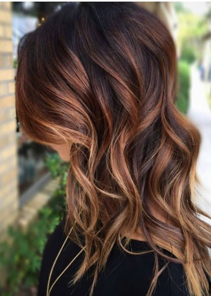 Cool Hairstyles Lady With Medium Length Brown Hair With Light