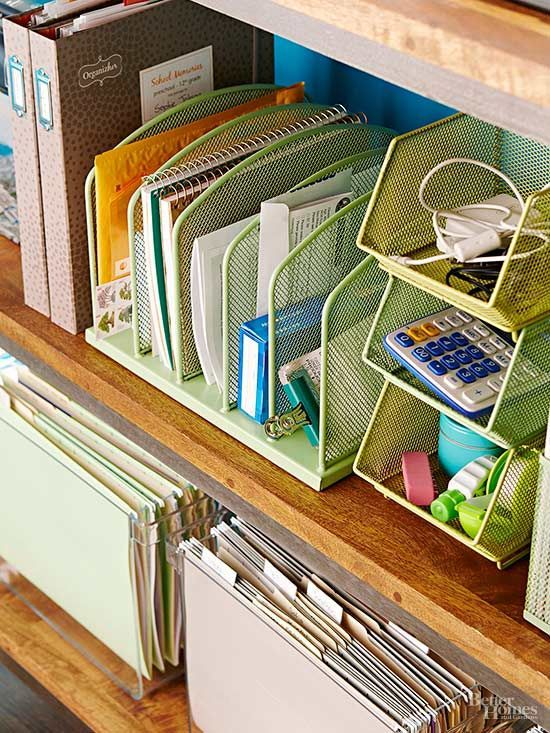 Make your office space a neat, tidy and organized space so you are more productive with our helpful storage and cleaning tips. See how to get all your important documents into files, organize your desktop and use various storage caddies to gather loose items.