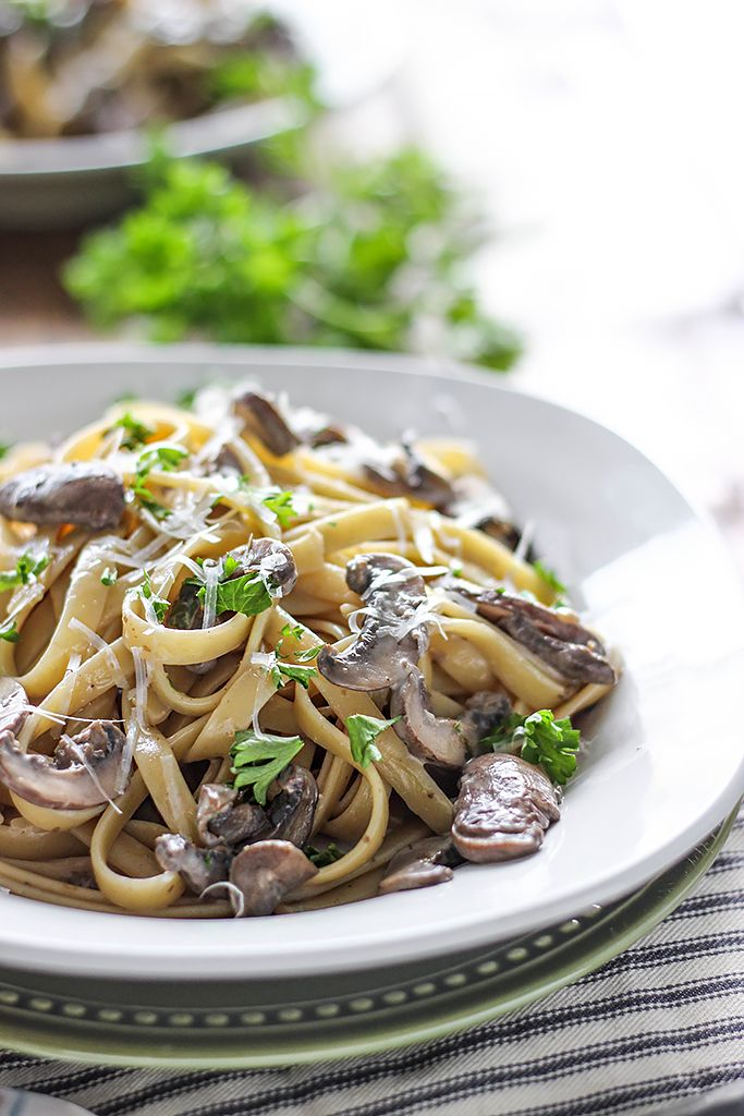 Creamy Mushroom Alfredo. I've gotta give this a try...