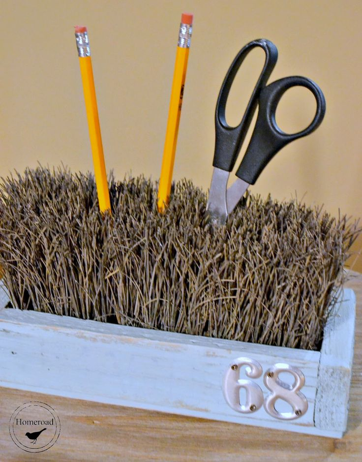Homeroad-Push Broom Desk Organizer