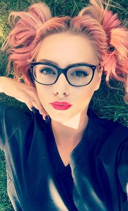 52 Best Images About Pretty Girls With Glasses On Pinterest