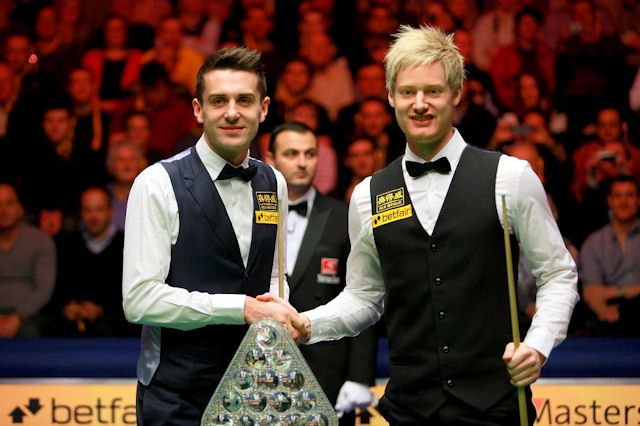 Mark Selby holds a 5-3 lead over Neil Robertson after the first session of the Betfair Masters final.