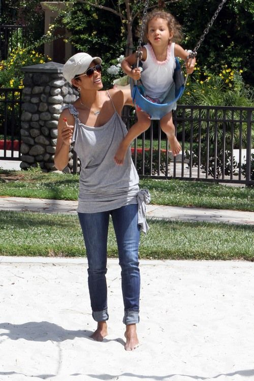 Halle Berry with her daughter celebrity moms famous mothers