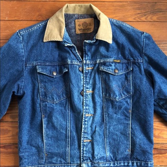 Vintage Wrangler Denim Jacket W Corduroy Collar In 2020 Vintage Denim Jacket Vintage Wrangler Vintage Jacket