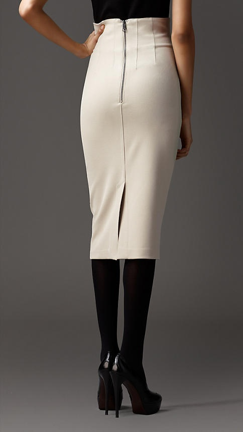 Burberry - FITTED PENCIL SKIRT