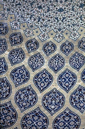 Pattern in Islamic Art - Sheik Lotfallah Mosque, Iran, ceramic tile
