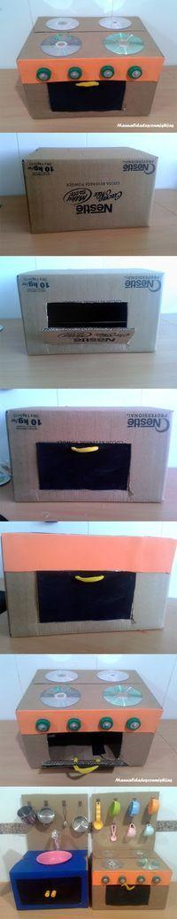 Cocinita-con-cajas-de-cartón-reciclado