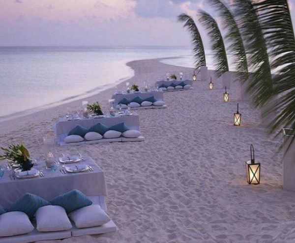 Unbelievable dinner party on the beach