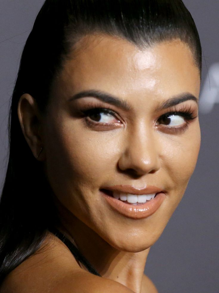 Kourtney Kardashian's Net Worth Proves Her Wallet Still ...