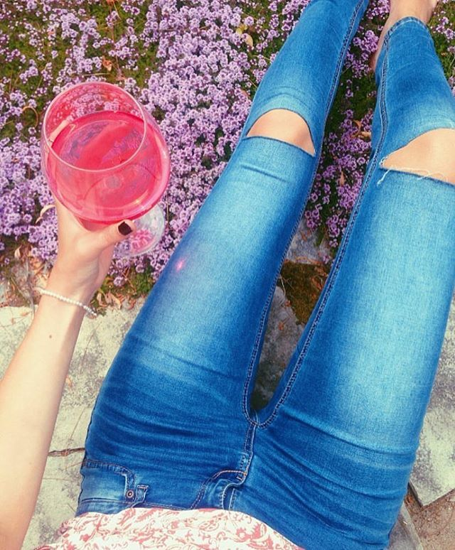 cheers to the weekend✌ #mybluenotes #ootd