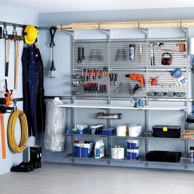 Z elementów systemowej zabudowy  można skonstruować wygodny i dobrze zorganizowany warsztat hobbysty.