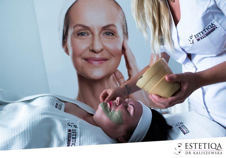 Zielona glinka pomoże Ci pięknie oczyścić twarz i poczuć się o niebo lepiej! :)  #zabiegi #zdrowie #uroda #warszawa #polska #estetiqa #health #beauty #warsaw #poland