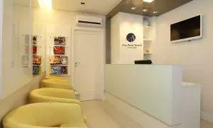 Clinica e revenda de aparelhos auditivos com salas de atendimento, cabine de audiometria e sala de CEPAP. Áres: 30m²