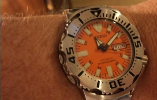 Say hello to the watch they call the Orange Monster. Seiko SKX 781, a juggernaut of a dive watch, and at around £124 on Amazon, quite simply one of the best value for money dive watches you can buy. At the time of writing there were still a couple left in stock.