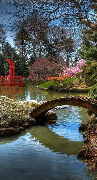 Bridge to Eden in the Japanese Hill-and-Pond Garden at the Brooklyn Botanic Garden in New York City • photo: Bettycrocker on Wikipedia