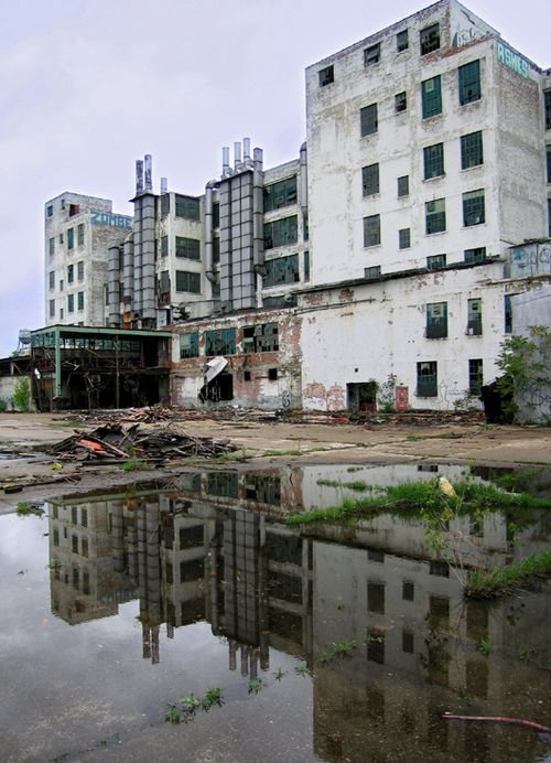 Abandoned Fisher Body Plant in Detroit, MI- Could play a factory on The Flats in Garvey.