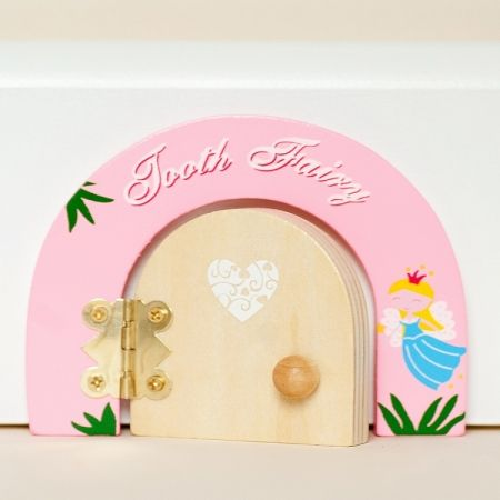 99 best htfstyle for my girl images on pinterest my for Batman fairy door