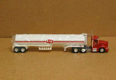 Trucks & Stuff SPT3287 HO Peterbilt 386, Lee and Estes w/Heil Tank