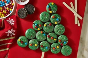 Place your presents under the tree, and then unwrap the great taste of this Holiday OREO Cookie Tree at your next holiday party.
