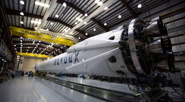 SpaceX loses major contract as launch schedule slips to 2017