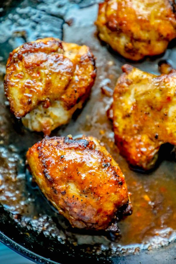 This Easy Delicious One Pot Spicy Garlic Chicken Thighs Recipe Is Super Simple And Q Chicken Thigh Recipes Garlic Chicken Thighs Recipe Fresh Vegetable Recipes