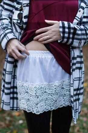Tee-shirt extensible grâce à une petite jupe avec dentelle dissimulée en dessous !!!