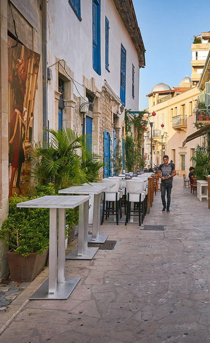 Улица баров и кафе в городе Лимассол, Кипр. #vladimirzhoga #cyprus #кипр #лимасол #путешествия