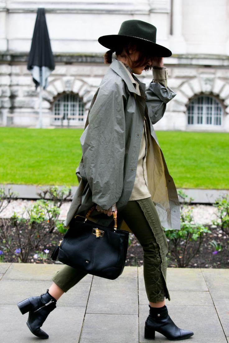MFW16 Street style: originalidade é palavra de ordem pelas ruas da LFW - Vogue | Streetstyle