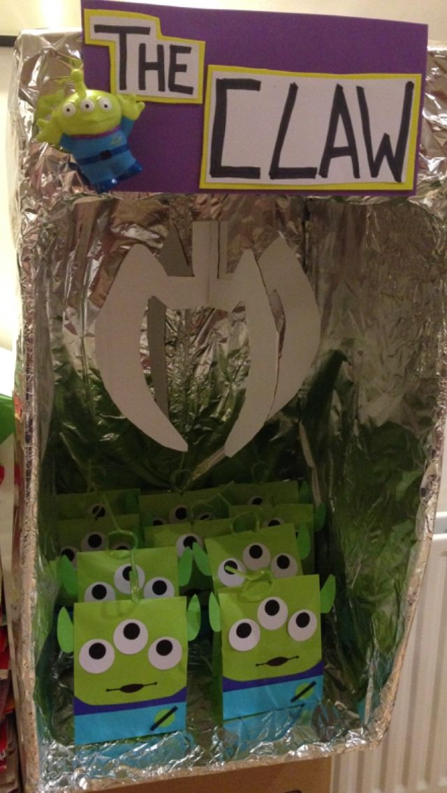 The claw toy story alien