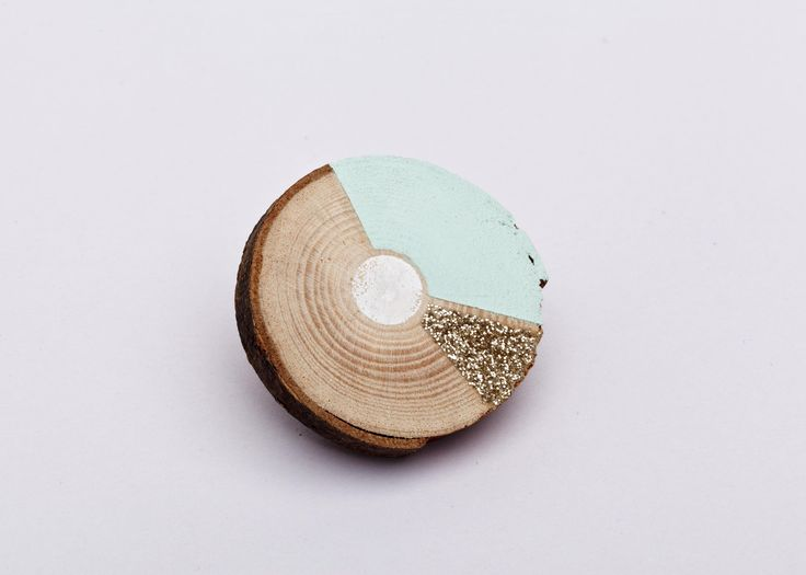 brooch, wood, Julie Blaive