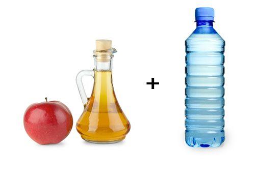 risciacquare i capelli con un litro di acqua + 3 cucchiai di aceto di mele... risultato: capelli lucenti e morbidissimi!