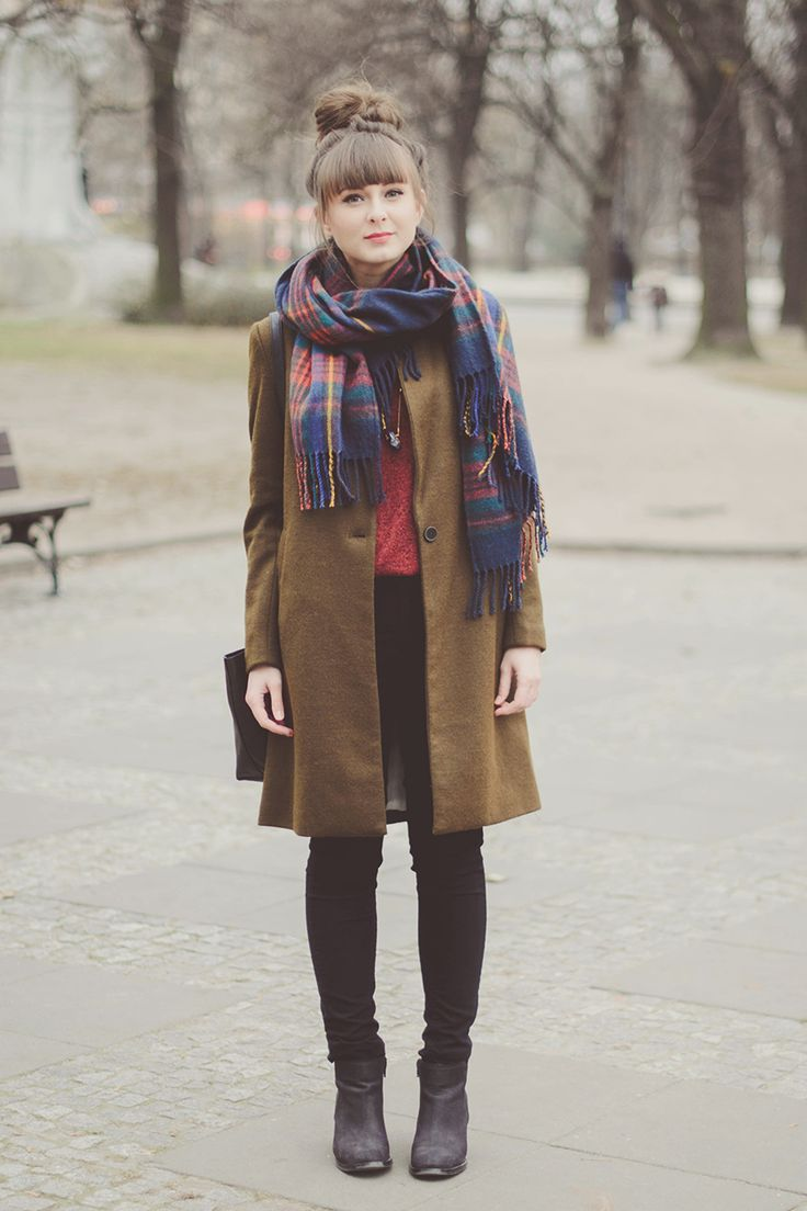 Love her scarf and the outfit as a whole web.downjackettoparea.com canada goose jacket, Dresses, Summer Outfits, Fashion, Street Styles, Boho, Casual Outfits, Preppy, Fall Outfits