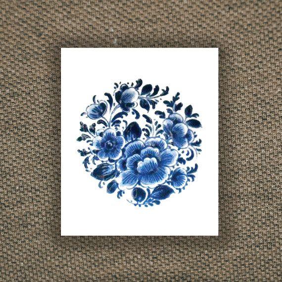 Temporary round 'Delfts Blauw' floral tattoo van Tattoorary op Etsy