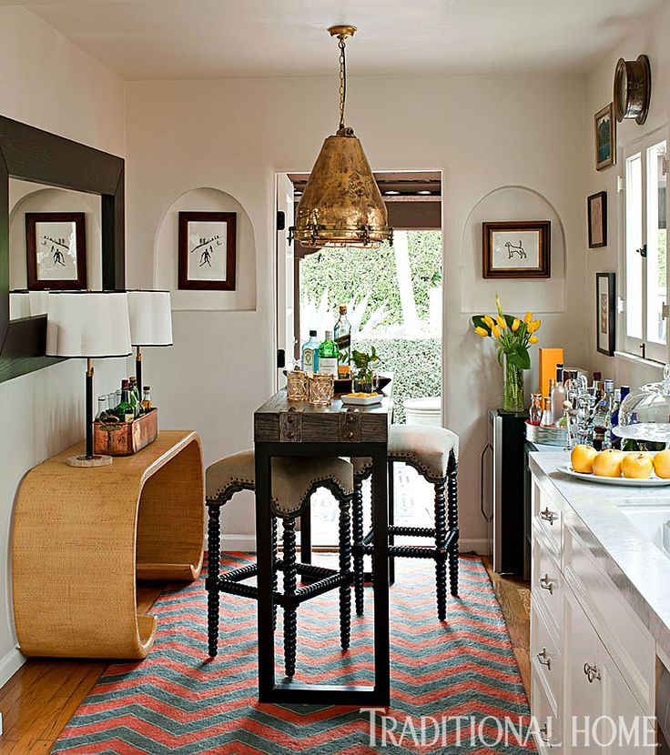 112 best tables images on pinterest chairs arquitetura for Galley kitchen with breakfast nook