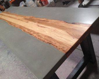 Béton / Table à manger en bois Hickory par TaoConcrete sur Etsy