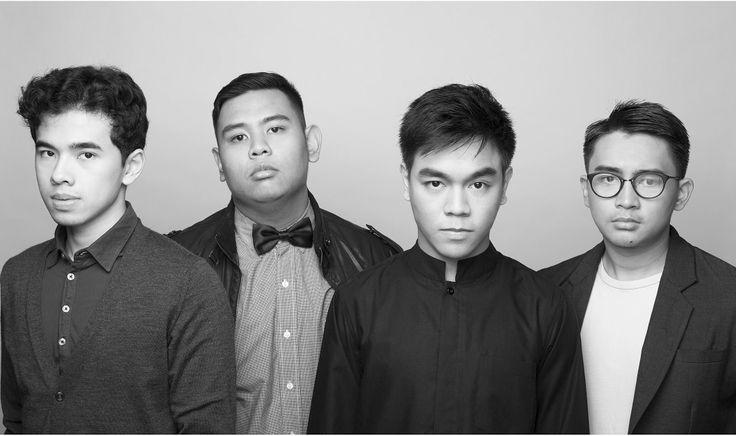 "Dion Fahdial, Agi Anggadarma, Ibnu Dian dan Kevin Pahlevi memperkenalkan MERAH lewat single pertama mereka yang berjudul ""Tak Terbayang"" 7 bulan setelah terbentuknya band ini pada tanggal 11 Desember 2013 (11.12.13). Lagu yang bercerita tentang bayangan seseorang bila tidak dapat bersama orang yang dia kagumi menjadi andalan MERAH untuk masuk ke industri ini."