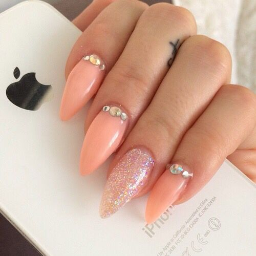 Pretty peach and glitter stiletto's with rhinestones. Love this color! | nail  art ideas - The 25+ Best Peach Nail Art Ideas On Pinterest Corral Nails