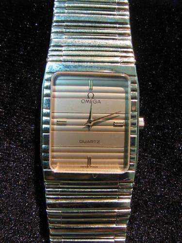 Omega Quartz 14 Karat Gold Super Flat Unisex Movement 1377 Quartz Wristwatch | eBay
