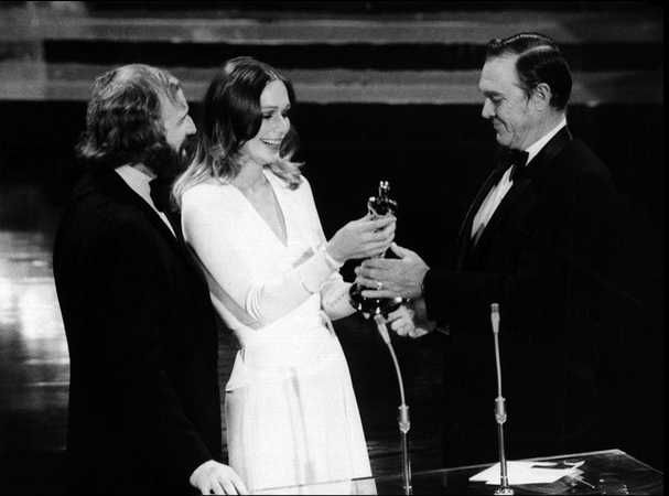 """1972 Oscars: Richard Harris & Sally Kellerman present Oscar to Ben Johnson, Best Supporting Actor 1971 for """"The Last Picture Show"""""""