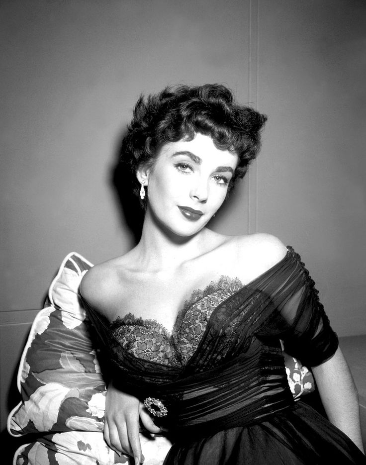 Pay homage to the memory of iconic star Elizabeth Taylor by emulating her classic, glamorous fashion sense.