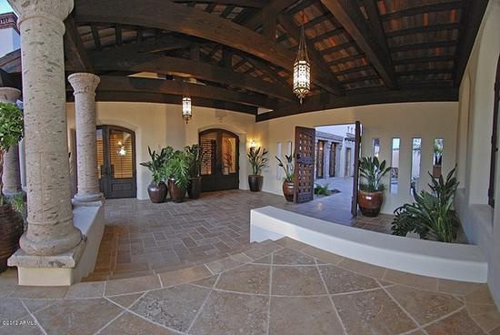 Exterior patio idea good tile and cantera pillars house for Cantera pillars