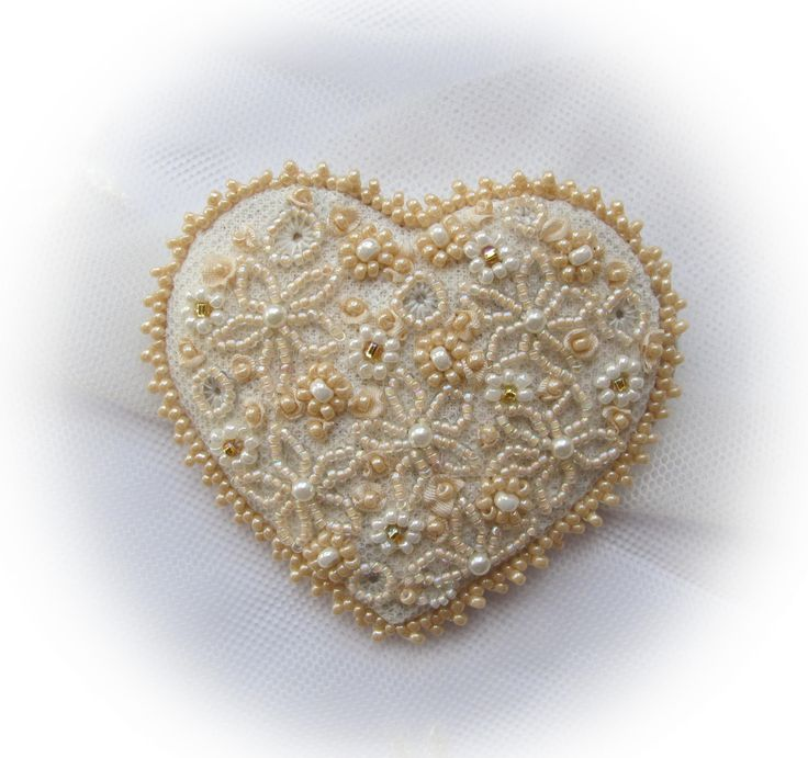 Victorian Nostalgia - Brooch beaded heart - stitchin fingers