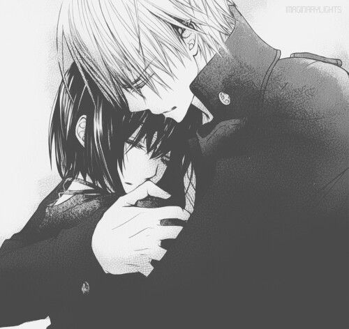 Kaname always seems to hold Yuki in a semi-erotic almost posessive way. Zero always seems to hold her like she's precious and he doesn't want to let her go...but always with enough lax that she can leave if she wants. Maybe I'm just biased but that's my observation. Zeki forever.