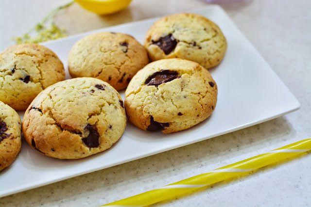 Crunchy Chocolate Cookies = Fursecuri Crocante cu Ciocolata =