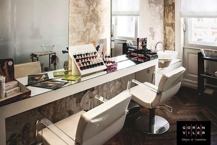 Bellezza a tutto tondo da #GoranViler! Non solo lo spazio dedicato allo styling dei #capelli e il nuovissimo #BarberShopGoran, ma anche una #nail room dove lasciarvi coccolare dai nostri esclusivi #scrub per la #bellezza delle mani, per un #comfort e un'idratazione a lunga durata. Per unghie perfette, manicure personalizzate e una miriade di #nuance di smalti, tutte da provare! // #Trieste