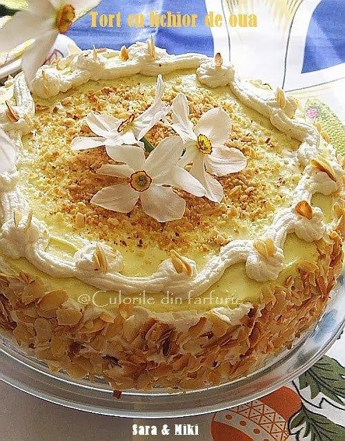 Tort cu crema fina de lichior un desert elegant si bun pentru o zi sfanta de Pasti.