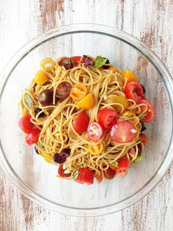 Simple & Clean Summer Spaghetti Recipe | http://aol.it/1olMyPM