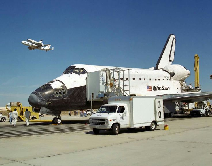 Oct 12, 1994 Endeavour at the completion of STS-68, while Columbia is enroute to Palmdale California. (Photo:NASA)